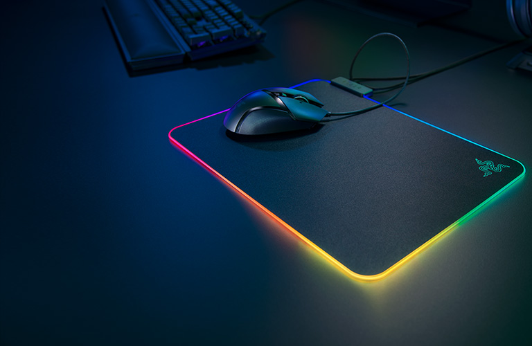 POWERED BY RAZER CHROMA RGB