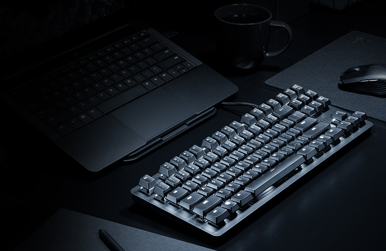 RAZER™ MECHANICAL SWITCHES:<br>ACCURACY IN EVERY KEY